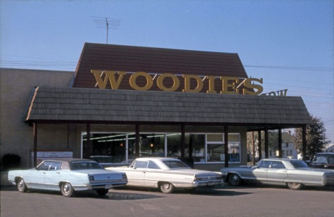 1970s Woodies Grocery 2